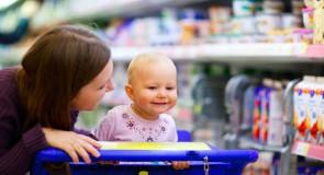 Astuces pour faire les courses sereinement avec bébé