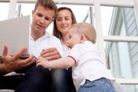 Montessori : Filmer bébé en vidéo, un outil d'éveil ?