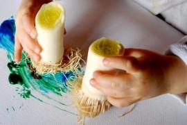 La peinture à doigts, c'est mieux avec des poireaux !