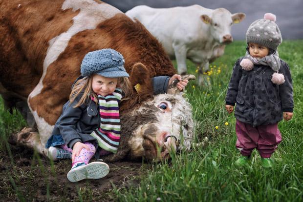 John Wilhelm Photographie ses adorables petites filles !