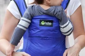 Comment bien porter son bébé, même en été ?
