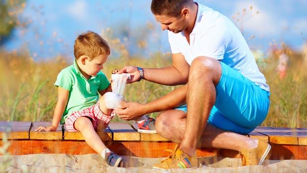 Les 5 indispensables pour la trousse de secours de votre enfant