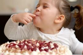 Les 8 règles d'or pour une alimentation saine de bébé