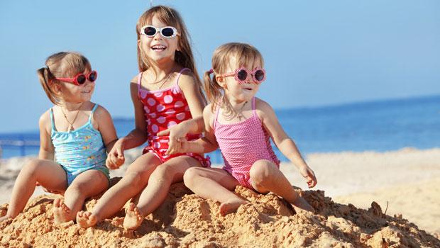 Les 5 indispensables de l'été pour des vacances réussies en famille