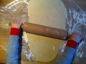 Étalez votre pâte à brioche en un rectangle d'environ 1 cm d'épaisseur.