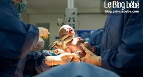 Une maman Australienne participe à sa propre césarienne.