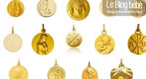 Médaille, gourmette, chaine : choisir le cadeau de baptême