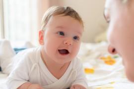 Le Baby Sign pour communiquer avec son bébé
