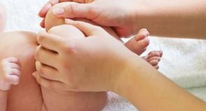 Découvrez le massage bien-être pour bébé
