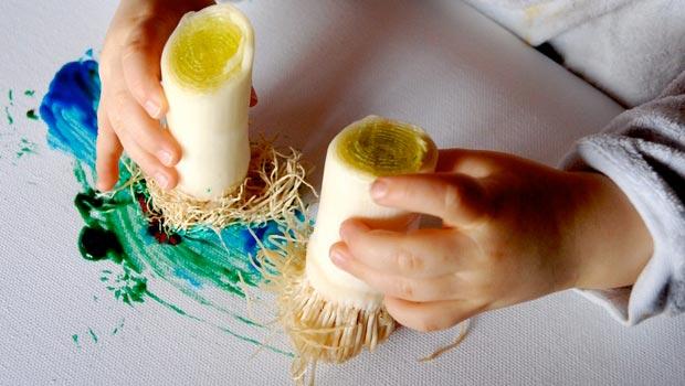 Dessiner avec des poireaux pour les tout-petits