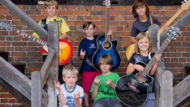 The Mini band, les petits hard rockeurs anglais