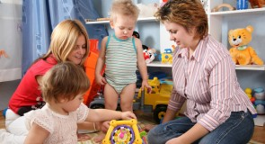 La doula accompagne les parents avant et après l'accouchement